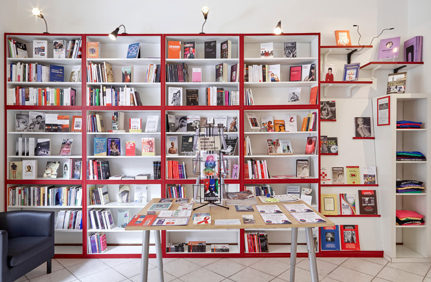 Libreria Antigone - Gallery 2 - Tribook.it
